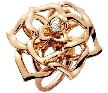 b4b90cb169ce Золотое кольцо в виде розы с бриллиантом Piaget G34U8500 - цены ...